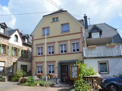 Photo for A semi detached holiday home for 8 persons, a stones throw from the Moselle.