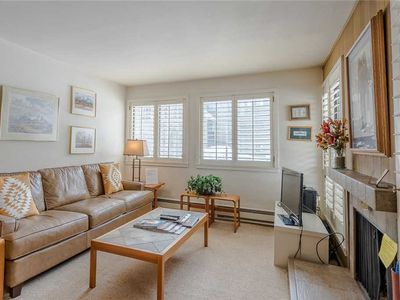 Photo for Cozy Ground-Floor Cottonwood Condo with Access to All Sun Valley Amenities.