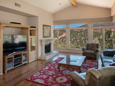 Exquisite Sedona Beauty, Perched up on a Hilltop - Creek Access Below / Sleeps 13!