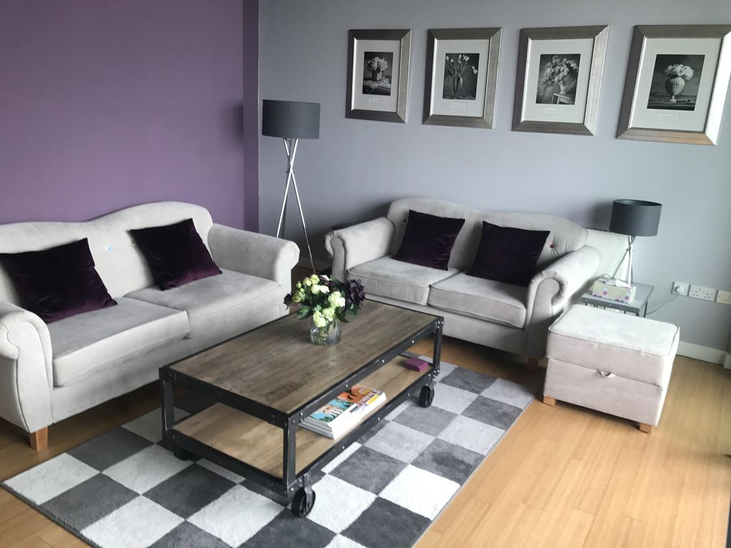 Boutique Apartment with Sunny Balcony in Altrincham, 8 Miles from Manchester