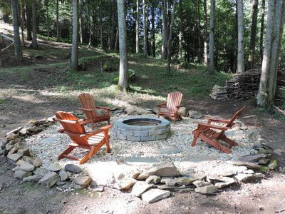 3 BR 2-1/2 Bath Vacation Home on a Large Creek w/Game Room, Hot Tub and Fire Pit