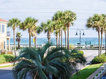 Beautiful Condo Great Rates Close to the pool Great side View building 1