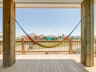 Photo for La Vida Loca, Crystal Beach, Bolivar, Texas, Family & Dog Friendly