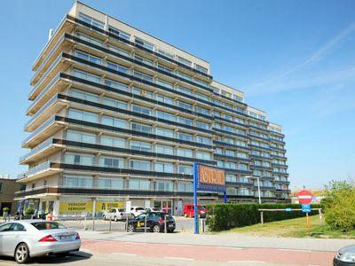 Photo for Apartment Residentie Astrid in Bredene - 6 persons, 2 bedrooms
