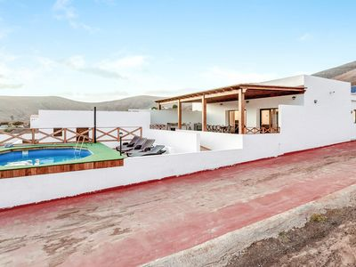 "Photo for Spacious Villa  ""Casa el Aceitunal"" with Mountain View, Wi-Fi, Garden, Terrace & Pool; Parking Available"