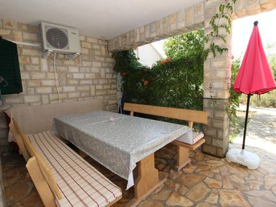 Photo for Two bedroom apartment near beach Mandre, Pag (A-4084-b)