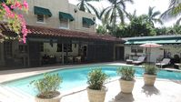 My siblings and I thoroughly enjoyed this lovely property. Pool was perfect temperature.