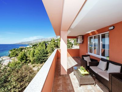 Photo for Spacious and bright apartment only 60m from the sea, beautiful sea view balcony