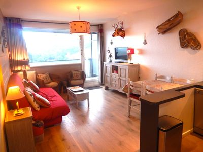 Photo for Beautiful Apartment SUPER BESSE foot tracks, 2 chbs, south balcony, 6 pers, redone