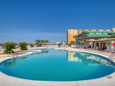 Photo for Waterfront condo w/ balcony & Gulf view plus shared pool & hot tub