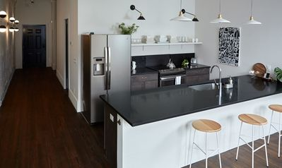 Flexible Deposit/Refund Policies: Live Local in this Renovated Urban Loft