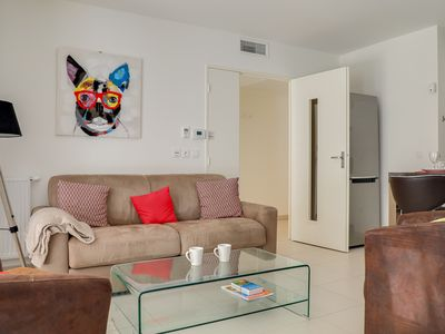 Photo for Appartement Danaè / Modern 2 bedrooms in the heart of Juan-les-pins