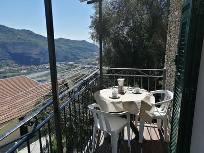 Photo for Relaxing apartment just minutes from the main services