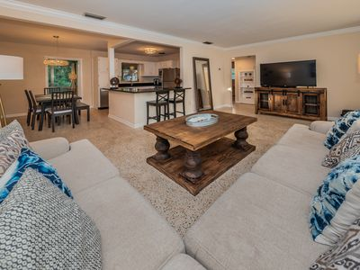 New! Beautifully renovated 3/2 Residence in best location of Safety Harbor