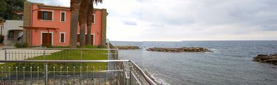 Photo for Appartamento Torre Caleo B: A charming apartment located right on the beach.