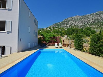 Photo for Apartment 264 m from the center of Cesarica with Parking, Internet, Air conditioning, Pool (113317)