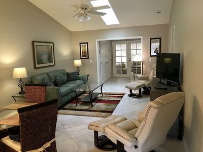 Photo for Newly Renovated, Walk To Bay And Park, Pet Friendly