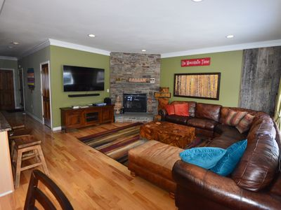 Photo for Luxury Townhouse at Loon Mountain - 4 bed/3.5 bath with all amenities sleeps 10+