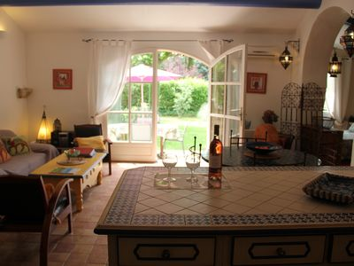 Photo for BEAUTIFUL COTTAGE IN PEACE WITH VIEW ON THE LUBERON