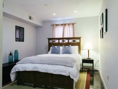 Photo for Balt-Amore!  Spacious 4 bedroom that sleeps 10 comfortably