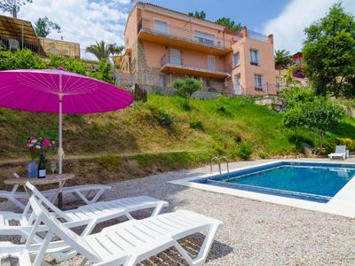 Photo for Club Villamar - Beautiful holiday home with own swimming pool, just outside the centre of Lloret de Mar! Perfect destination for families as well as groups of young people.