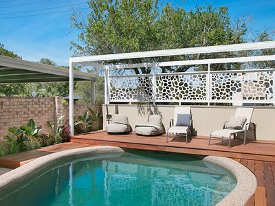 Photo for Burleigh Beach - Family friendly with pool, King bed, SMART TV's, wifi and more