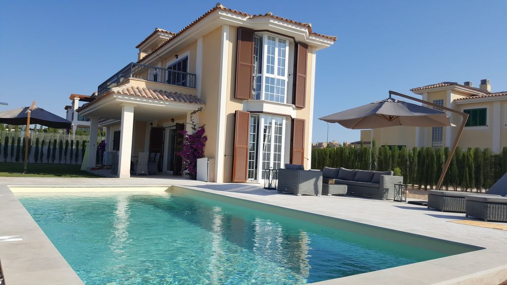 Villa for 6 pers near the sea new building air for Virtual pool builder