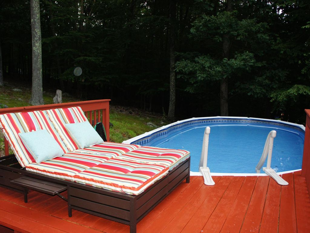 above ground pool with deck and hot tub. East Stroudsburg House Rental - 24 Ft Above Ground Pool (open Memorial To Labor Day With Deck And Hot Tub