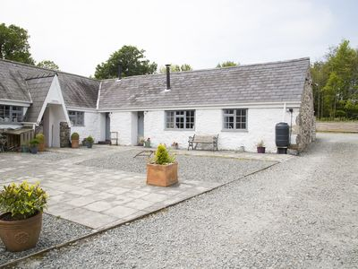 Photo for BWTHYN SIAN, pet friendly, with open fire in Llangaffo, Ref 1003573