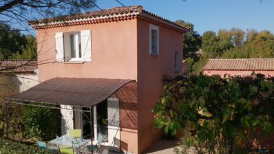 Photo for Air-conditioned detached house swimming pool at the Golf de la Valdaine in Drôme Provençal