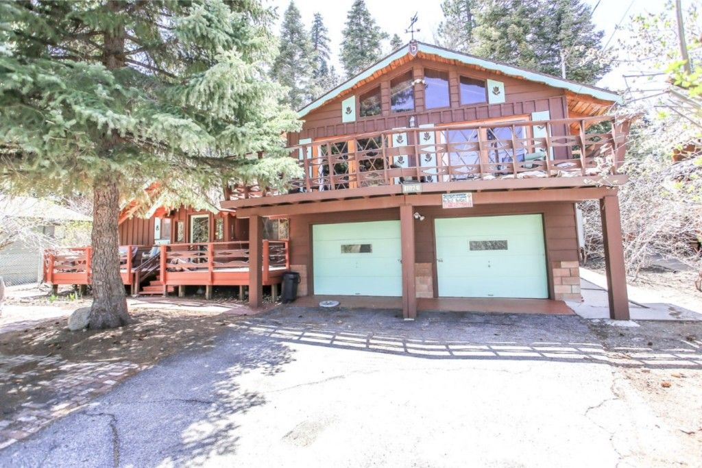 Avalon pool table hot tub and wifi beautiful cabin for Big bear village cabins