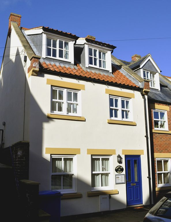 Fabulous Centrally Located Cottage With Parking Modern Facilities With Period Features Whitby Download Free Architecture Designs Barepgrimeyleaguecom