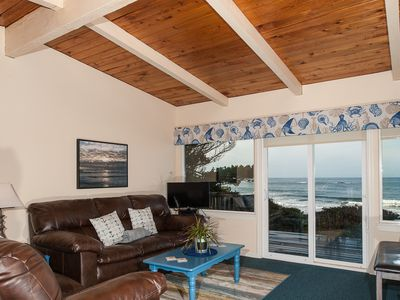 Photo for Experience this pet friendly oceanfront couples retreat in Seal rock!