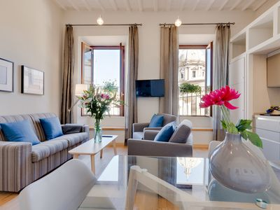 Photo for Grotta Pinta 11 | Bright and spacious in the center of Rome