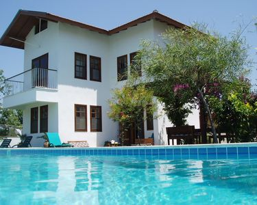 Photo for Lovely villa with 50m pool, garden, free wifi