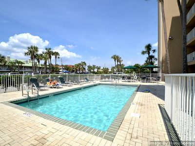 Photo for Beachfront/Oceanview Whirlpool Tub Condo w/ Pool & Hot Tub