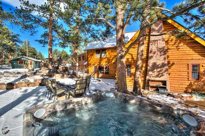 Hot tub, rock outcroppings