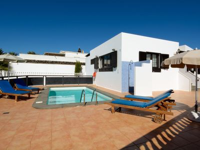 Photo for Luxurious villa with private swimmingpool in the south of Lanzarote