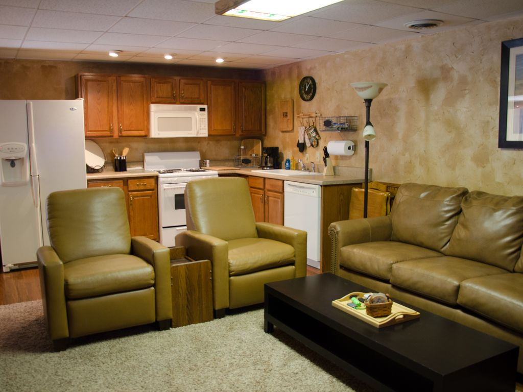 spacious walkout basement apartment with al homeaway. Black Bedroom Furniture Sets. Home Design Ideas
