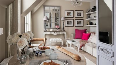 Welcome home to the beautiful Saumur apartment in the heart of Paris!