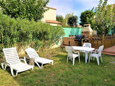 Photo for Maisonette with garden near Etang de Thau in Sète