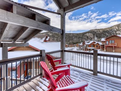 Photo for Beautiful townhome w/private grill, balcony hot tub & views. Close to slopes!