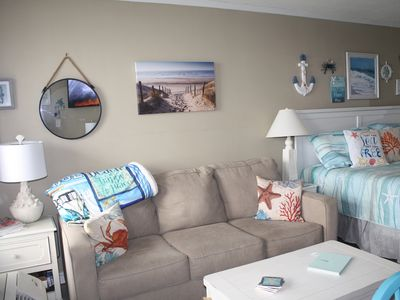 Photo for Fantastic remodeled ground level Condo. King bed. Pool side, Beach/Sound Access