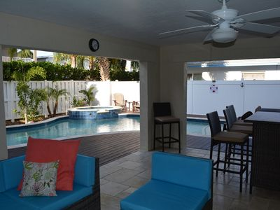 Paradise found. Perfect 2BR/2BA or combine with VRBO#639099 for larger groups.