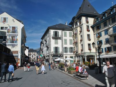 Photo for Beautiful 4 rooms (3 bedrooms), heart of Chamonix.
