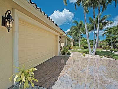 Photo for Lovely South Facing Pool Home close to Olde Naples in Tennis/Swim/Basketball/Vol