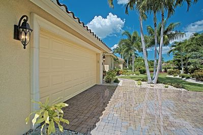 Lovely South Facing Pool Home Close To Olde Naples In Tennis Swim Basketball Vol Naples