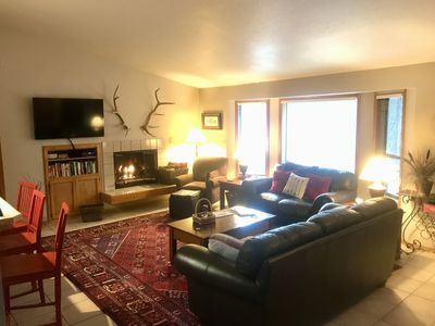 Photo for Cozy and comfortable Cabin home on North end of Sunriver *SHARC PASSES*