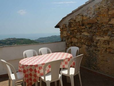 Photo for Ca di Carmina. Three bedrooms Two bathrooms Terrace with sea view Traffic-free zone