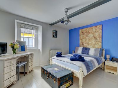 Photo for Nice apartment for 6 guests with WIFI, TV, pets allowed and parking